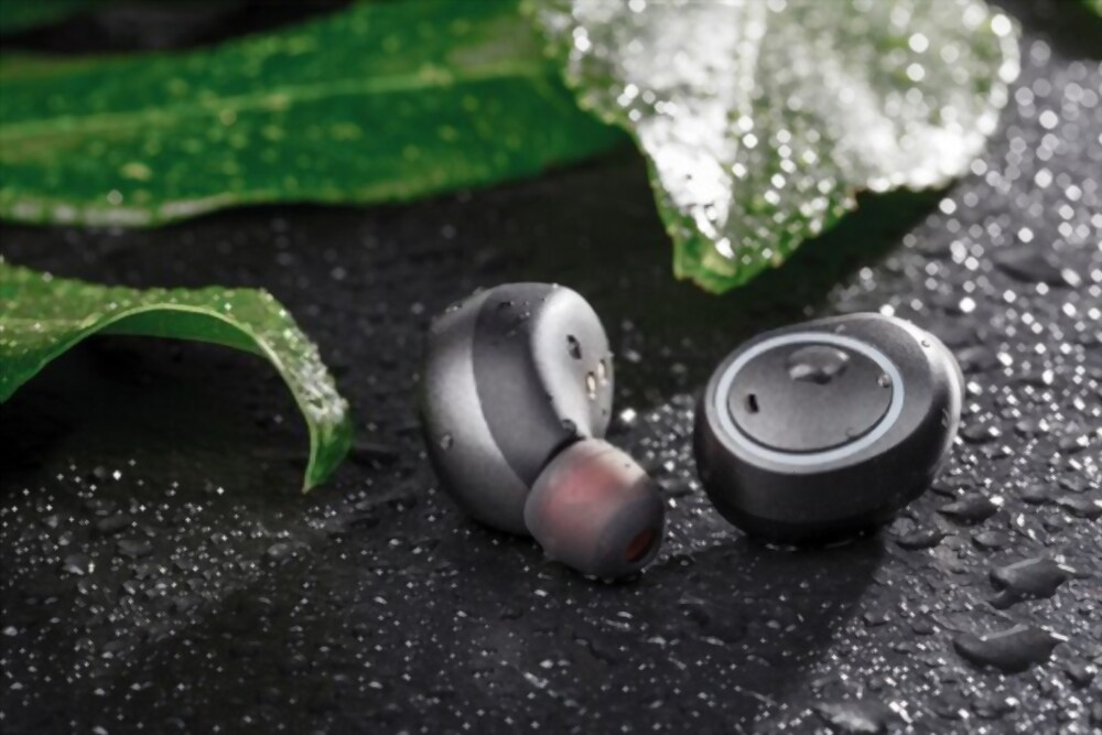 water sweat resistant Battery Life of True Wireless Earphones Under 4000Rs